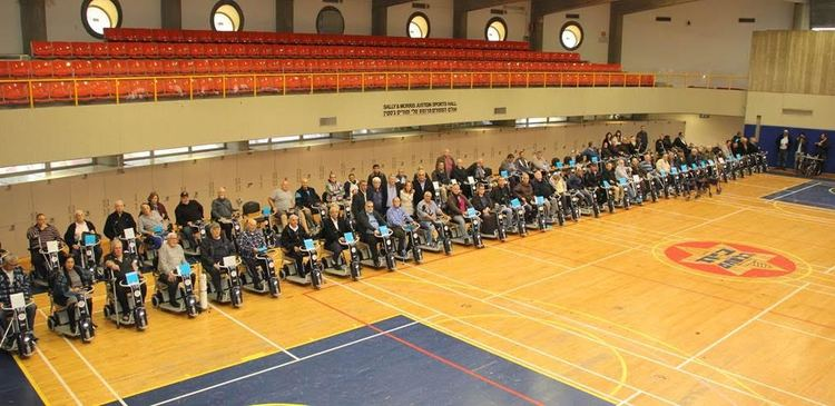 160 members of the ZDVO received motorized scooters