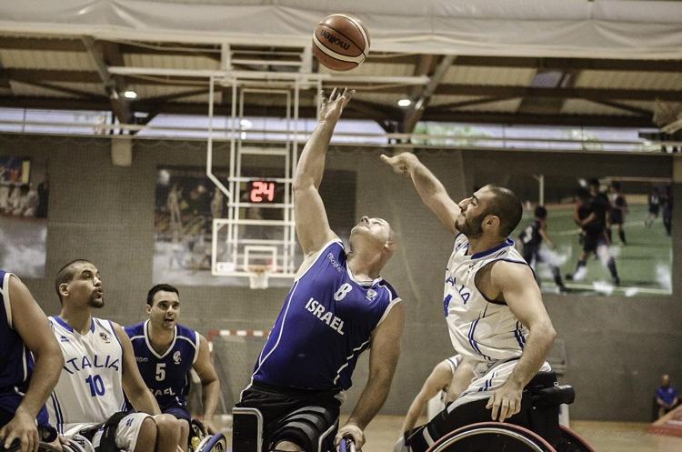 Dotan Meishar on the court