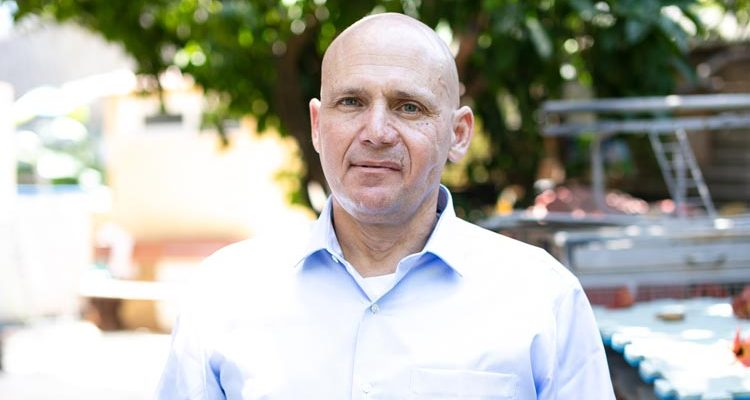 Dr. David Shashar